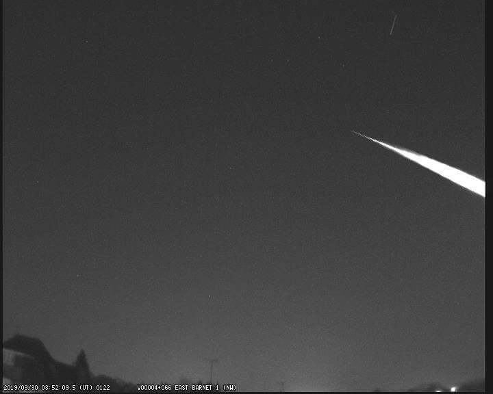 M20190330_035209 fireball from East Barnet Camera
